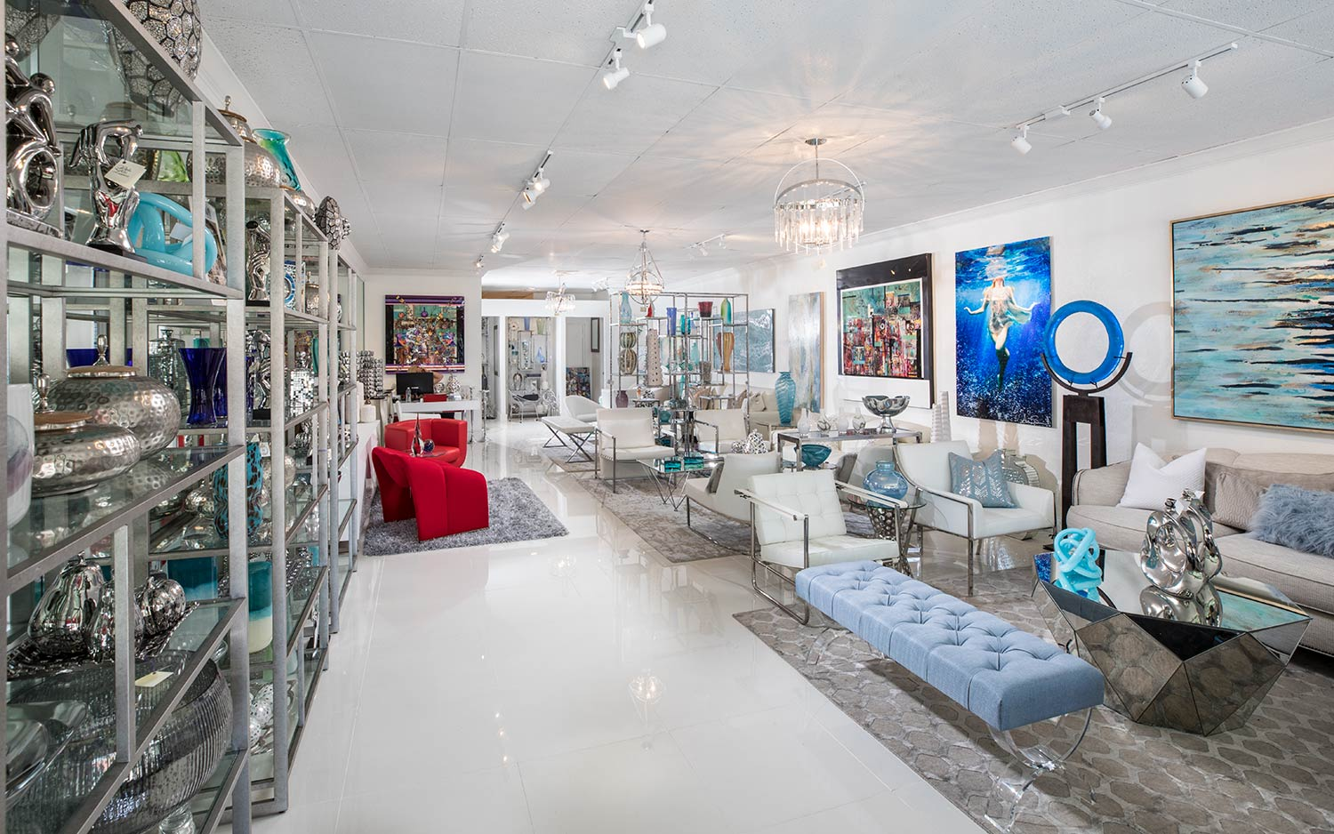 Full Wide Angle View of Perla Lichi contemporary showroom in Fort Lauderdale, FL